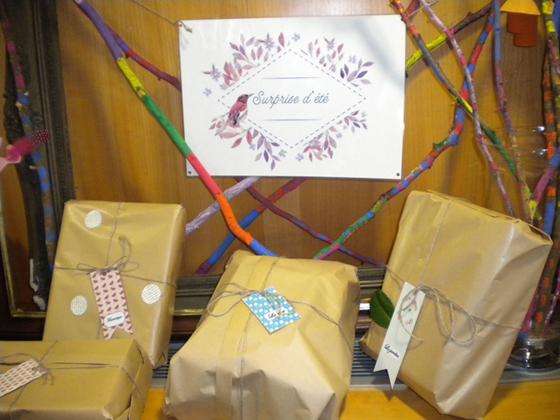 photographie de trois paquets cadeaux